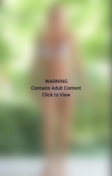 Jenny McCarthy Bikini Photo