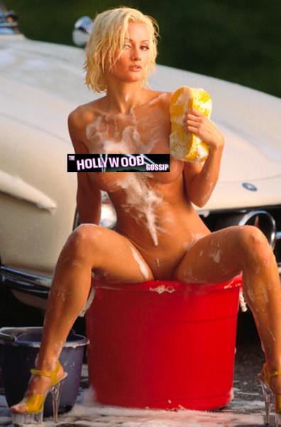 Holly Madison Nude Pic