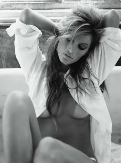 Gisele Topless