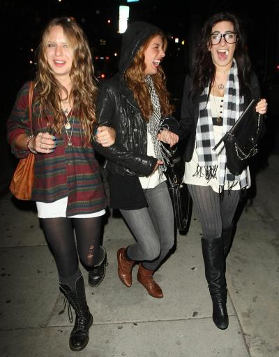 Shenae Grimes Out with Friends