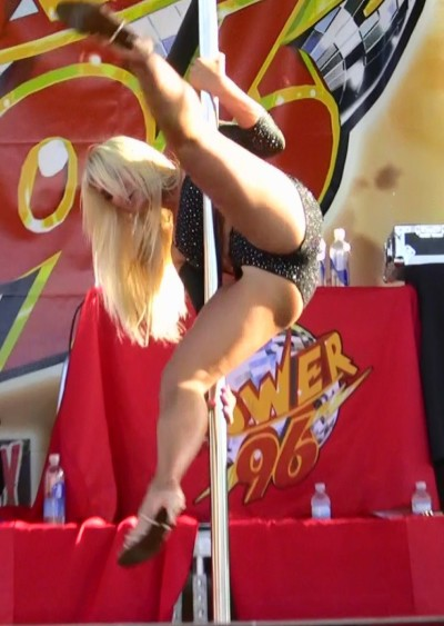 Brooke Hogan Crotch Shot