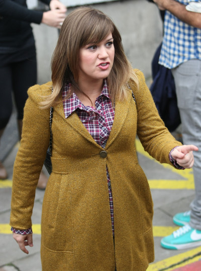 Kelly Clarkson: Fat?