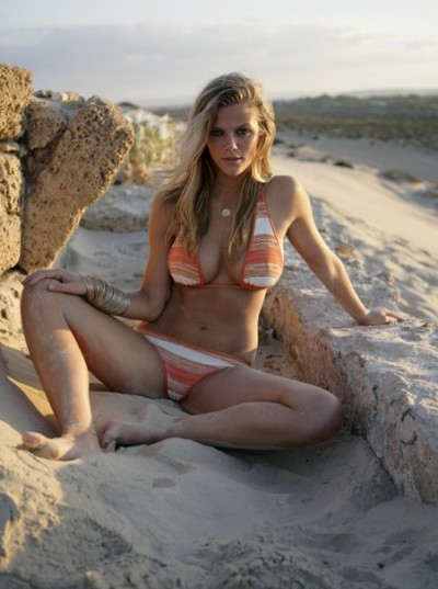 Hot Brooklyn Decker Pic