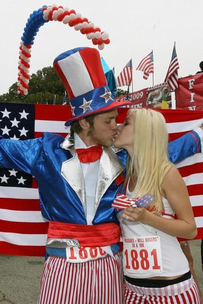 A July 4 Kiss