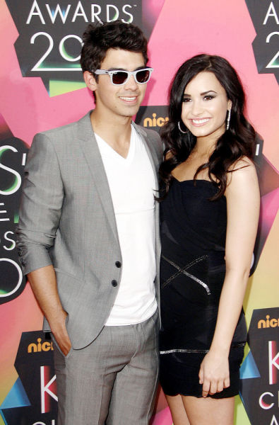 Demi Lovato and Joe Jonas Picture