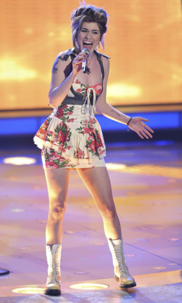 Singing Shania