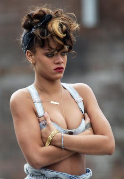 Rihanna Cleave
