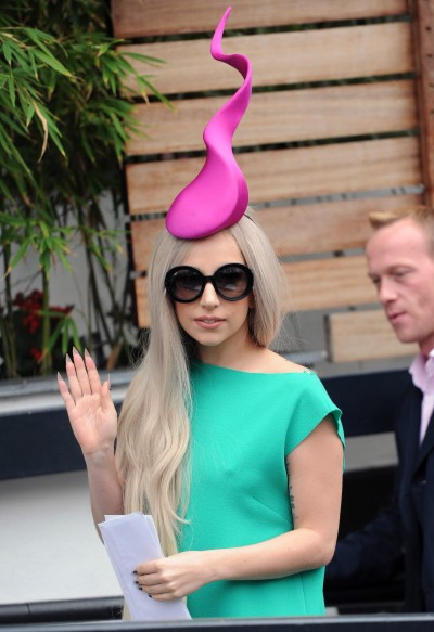 Lady Gaga, Sperm Hat