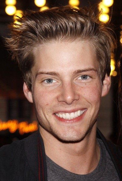 Hunter Parrish Pic