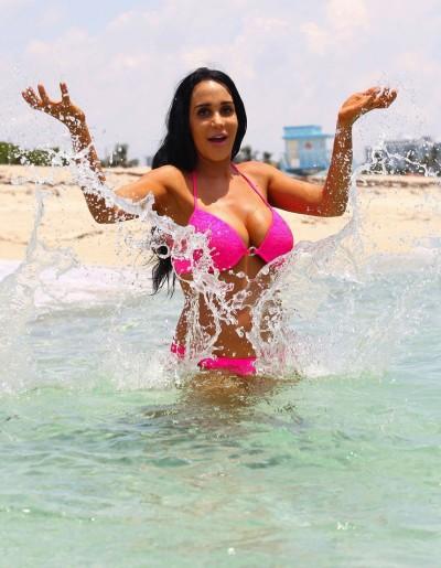 Nadya Suleman Bikini Pic