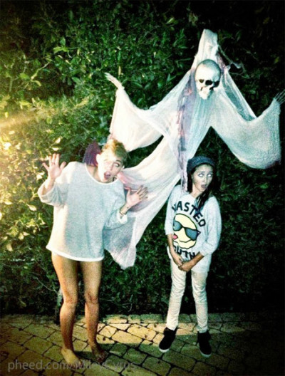 Miley Cyrus Halloween Pic