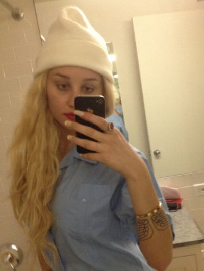Amanda Bynes on Twitter Photo