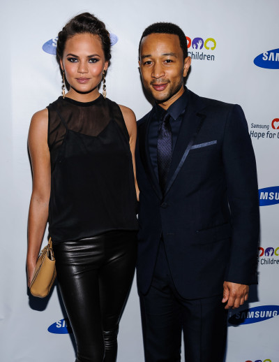 Chrissy Teigen, John Legend Photo