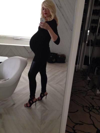 Gwen Stefani Selfie