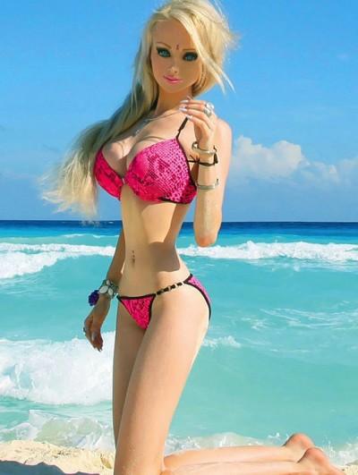 Valeria Lukyanova Bikini Photograph