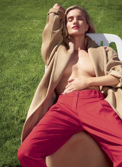 Rosie Huntington-Whiteley V Photo