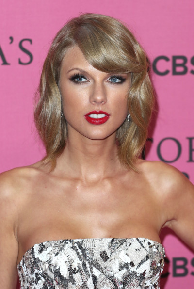swift single personals Taylor swift has never been content to rest on her laurels, and it shows perhaps most prominently in her singles — not just their quality, but their volume her self-titled debut had five.